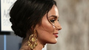 Nicole Trunfio earrings desktop HD