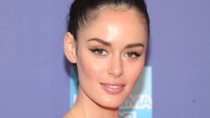 Wallpaper of Nicole Trunfio face for iPad
