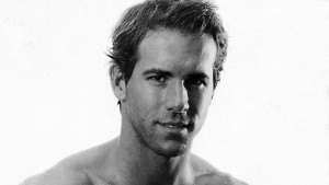 Ryan Reynolds bw walpapers for windows