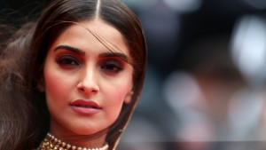 Sonam Kapoor High Definition wallpaper