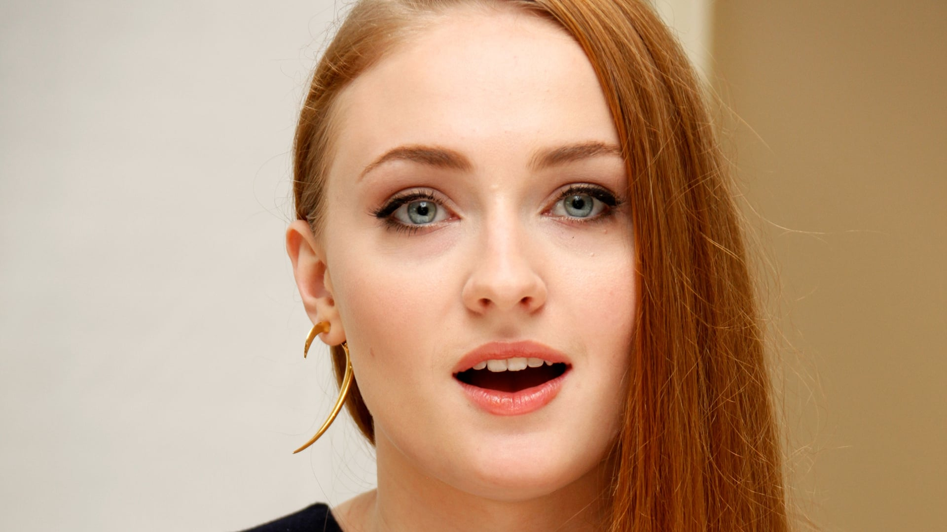 Cool Sophie Turner HD pic for PC