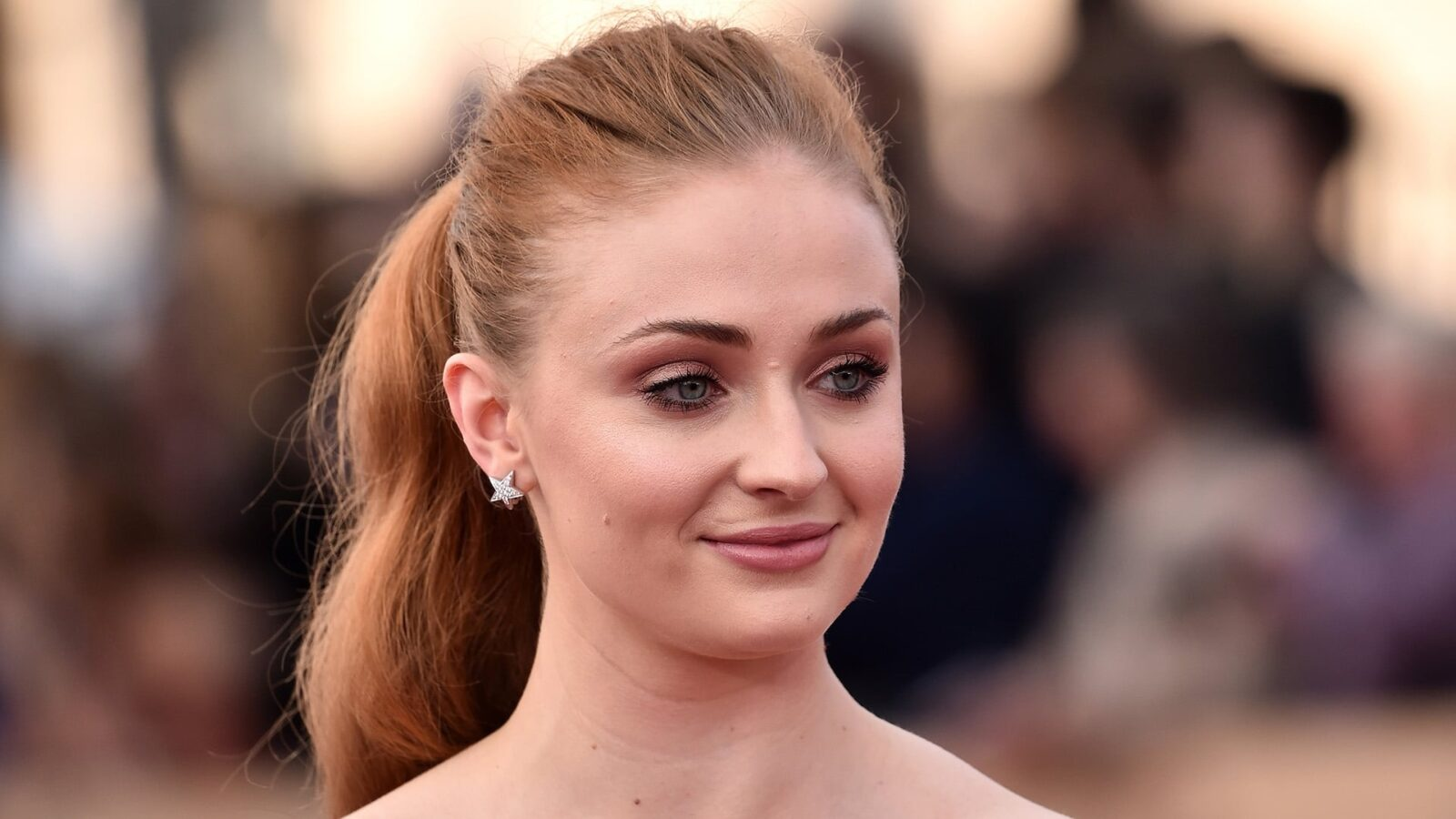 30+ Sophie Turner wall...