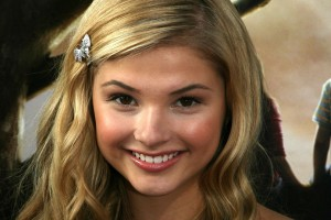 Wallpaper of Stefanie Scott smiling for Laptop