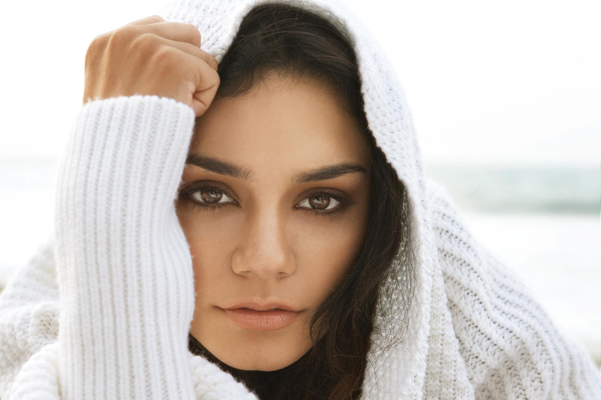 24 vanessa hudgens hd wallpapers free download