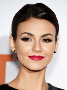 Cool Victoria Justice short hair photo