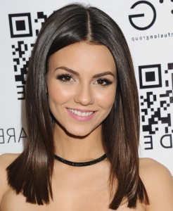 Awesome Victoria Justice smile picture