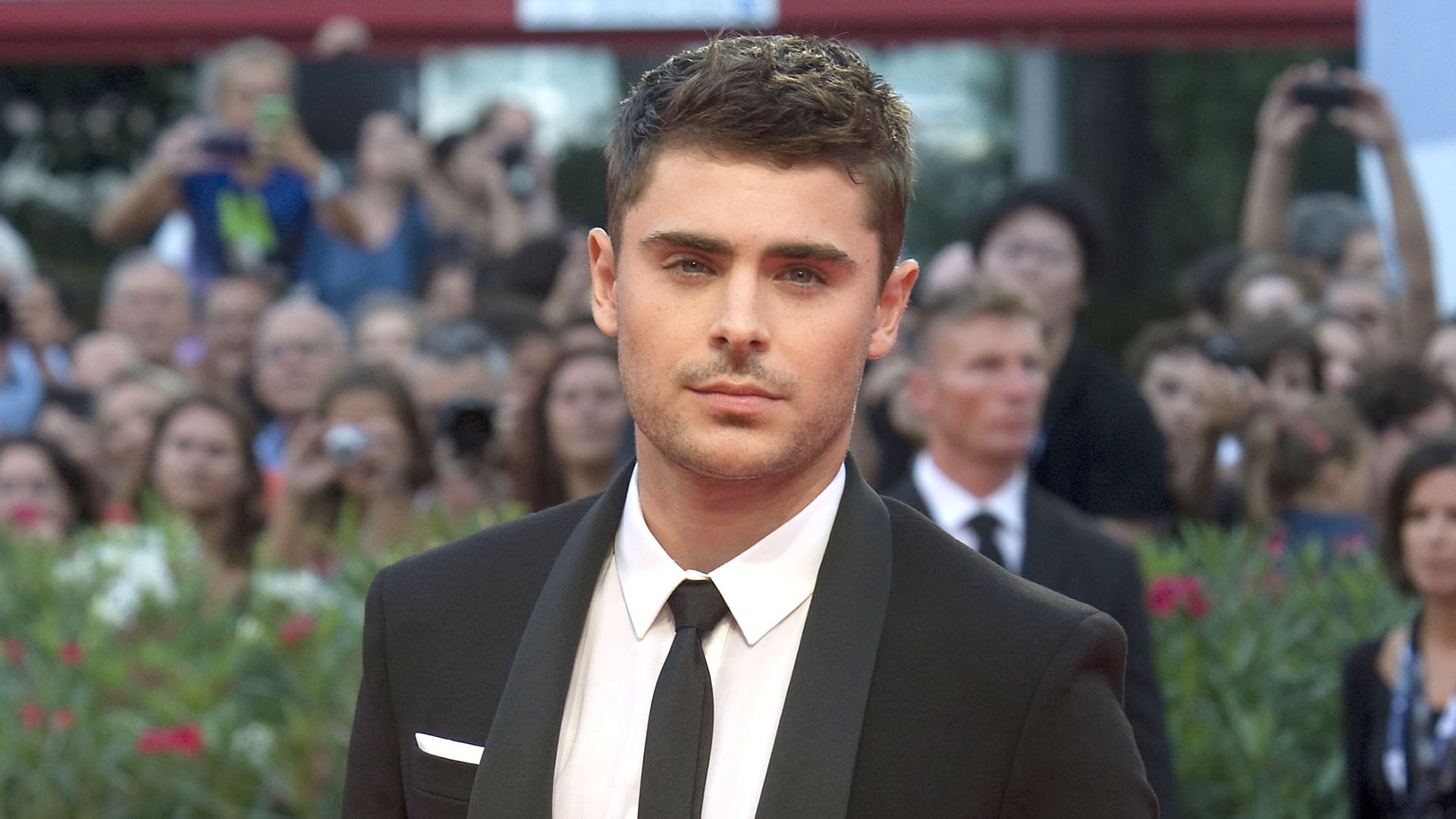 Zac Efron full HD image