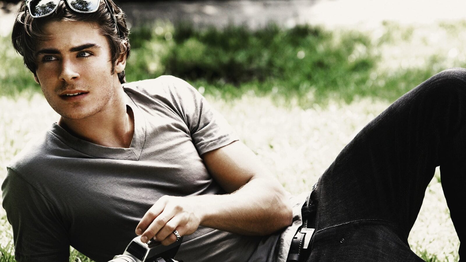 Zac Efron HD pic for PC