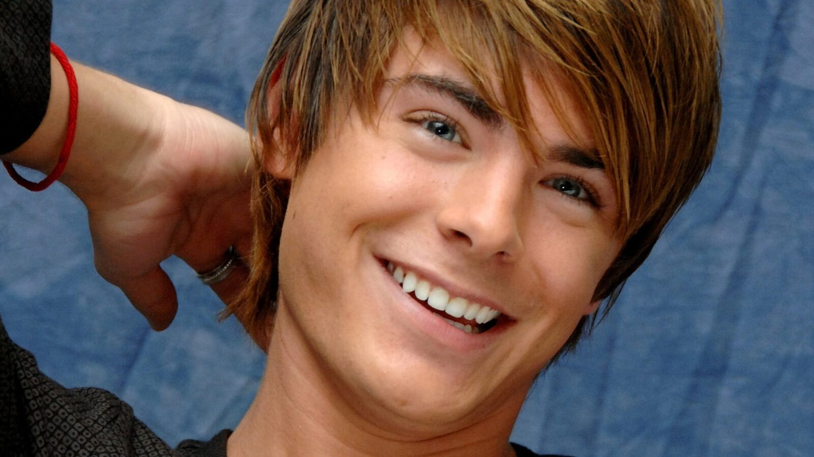 Zac Efron HD wallpapers free Download Zac Efron