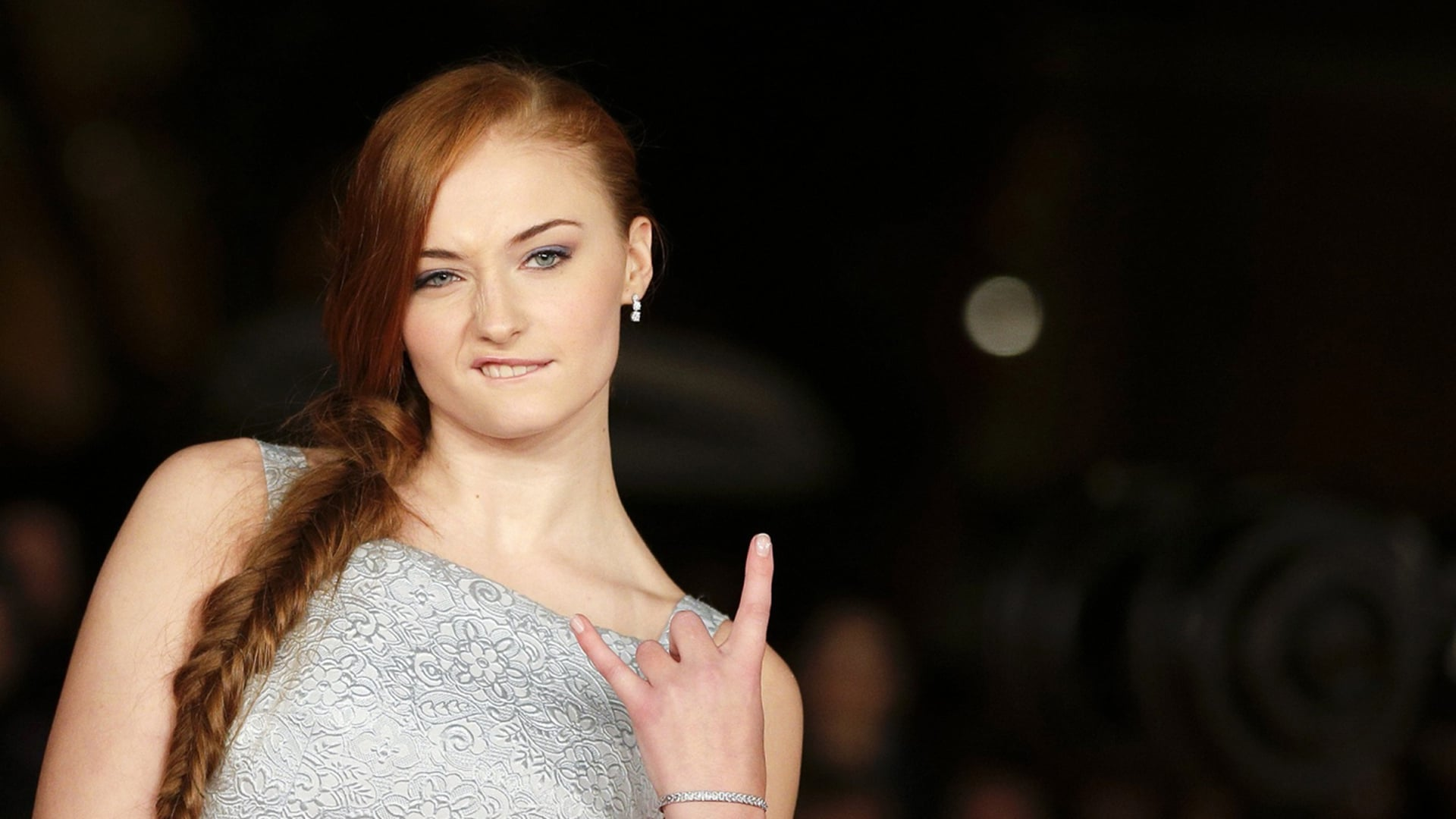 Amazing cool Sophie Turner picture