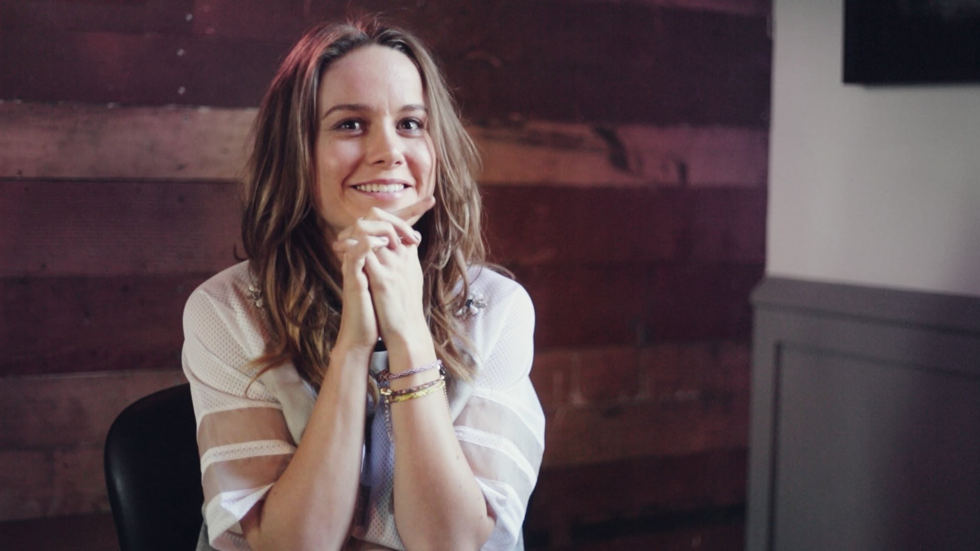 Wallpaper of funny Brie Larson for iPad