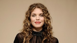 hair Annalynne McCord