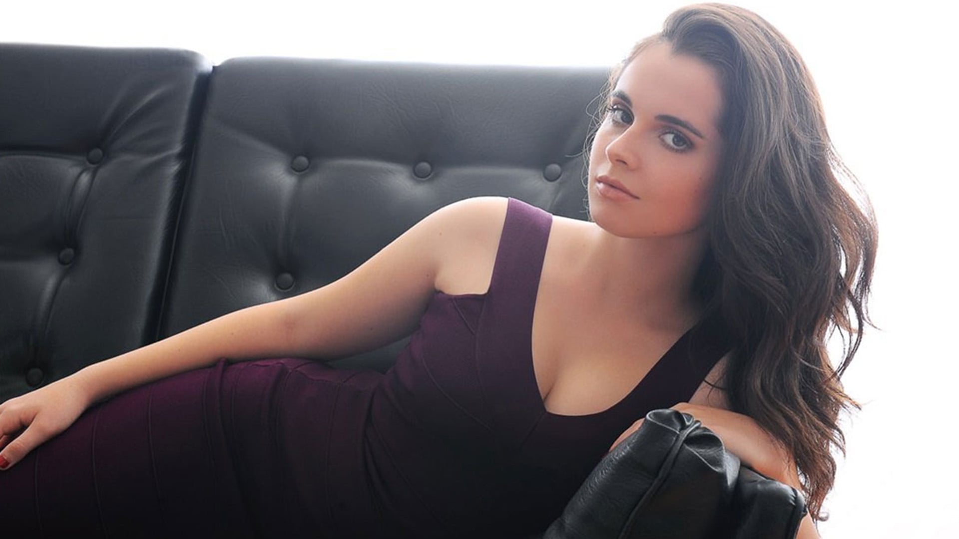 hot Vanessa Marano backgrounds