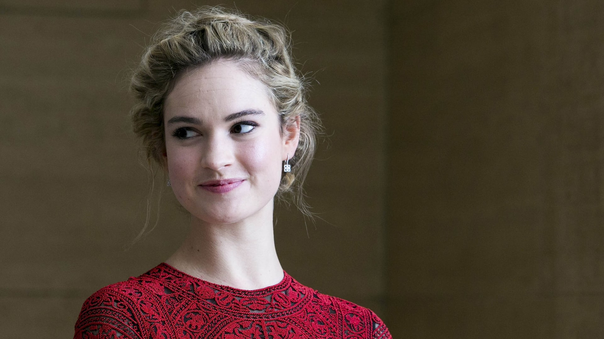 New Lily James 2016 wallpaper