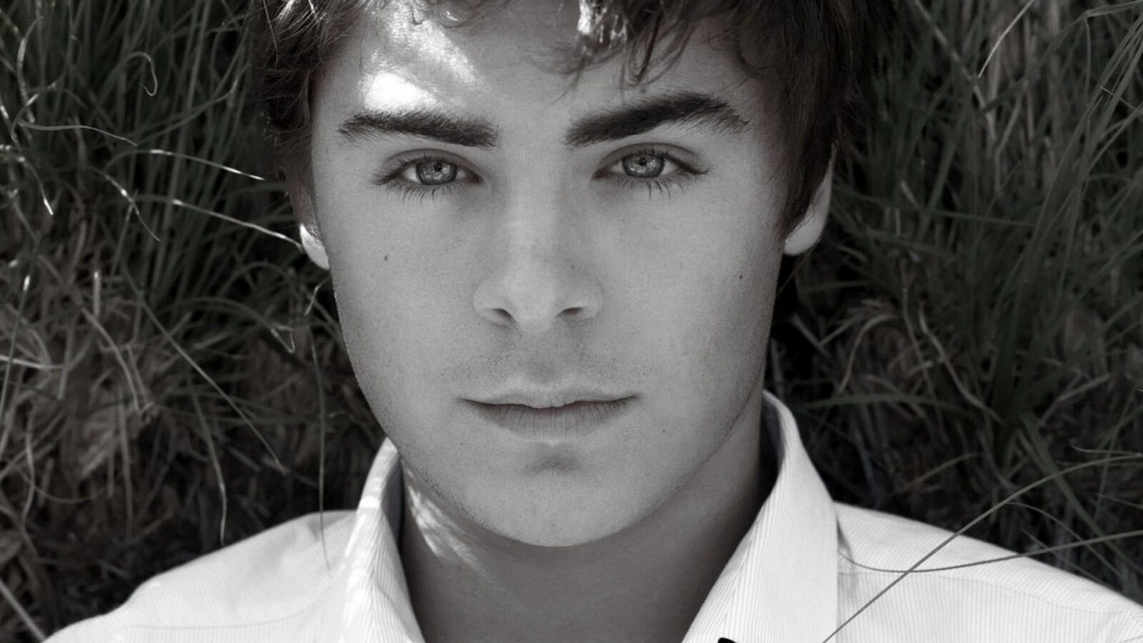 Image of young Zac Efron for iPhone