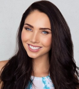 Jessica Green smile HD image