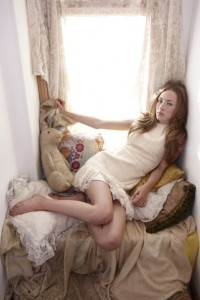 Wallpaper of Saoirse Ronan legs for iPad