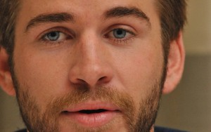 Liam Hemsworth eyes wallpapers