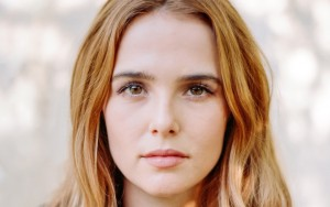 Zoey Deutch eyes wallpapers