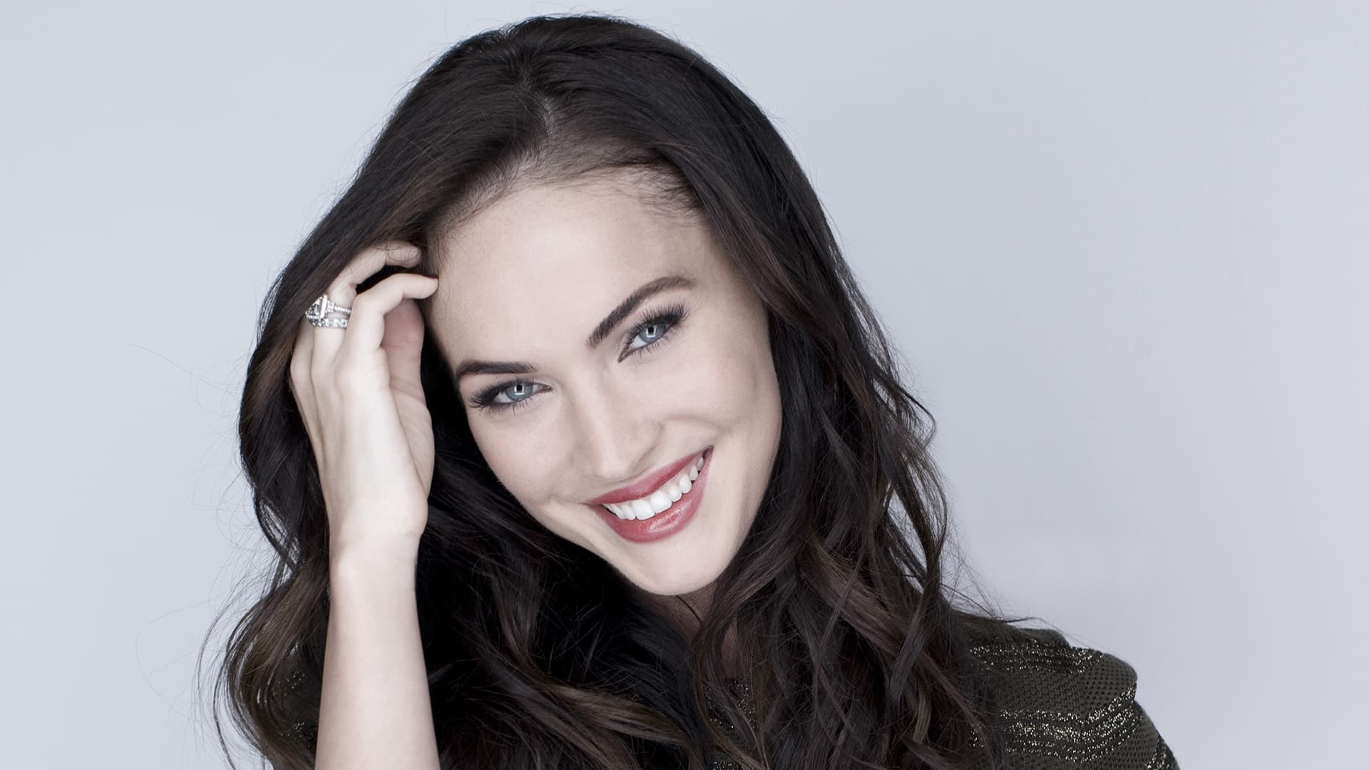 Megan Fox smiling wallpapers