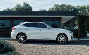 2016 Maserati Levante HD backgrounds
