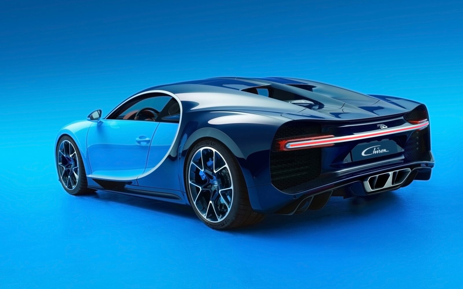 2017 Bugatti Chiron wallpapers