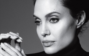 Angelina Jolie bw new 2016 wallpaper