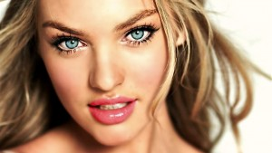 Candice Swanepoel eyes walpapers for windows