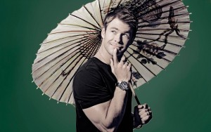 WallpaperChris Hemsworth umbrella High Resolution picture