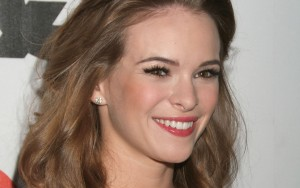 Danielle Panabaker earrings High Quality wallpapers