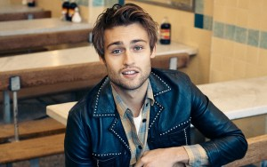 Douglas Booth smile High Resolution wallpaper