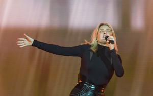 Awesome Ellie Goulding sings pictures gallery