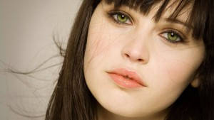Awesome Felicity Jones green eyes pictures