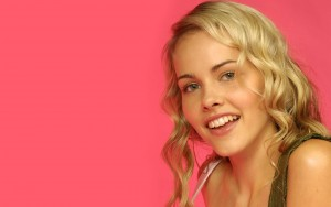 Awesome Isabel Lucas smile pictures