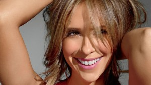Jennifer Love Hewitt smile wallpapers backgrounds