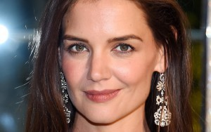 Katie Holmes earrings HD images