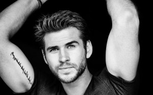 Liam Hemsworth bw HD wallpaper for Desktop