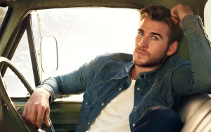 Liam Hemsworth cool new image