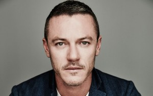 Luke Evans eyes image HD 2016