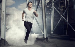 Luke Evans run Wallpapers High Quality