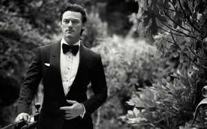 Luke Evans suit HD images download
