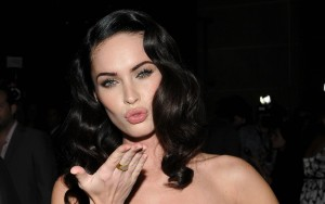 Megan Fox kiss HQ wallpapers black