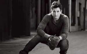 Miles Teller bw HD wallpapers for Desktop