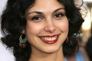 Morena Baccarin earrings wallpaper 1080p