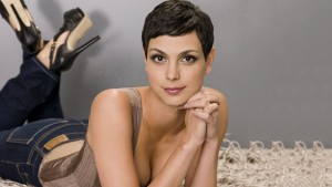 Wallpaper of Morena Baccarin short hair for Laptop