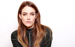 Riley Keough white background Desktop Wallpaper Widescreen