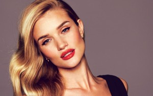 Rosie Huntington-Whiteley picture