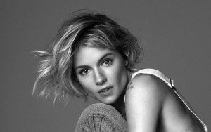 Sienna Miller black and white HD image