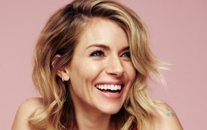 Sienna Miller smile HD photo download
