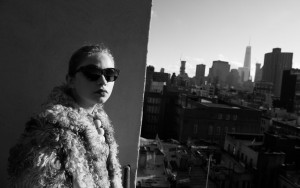 Tavi Gevinson black and white 1080p wallpaper